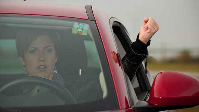 Junge Autofahrer in Deutschland sind schneller unterwegs.