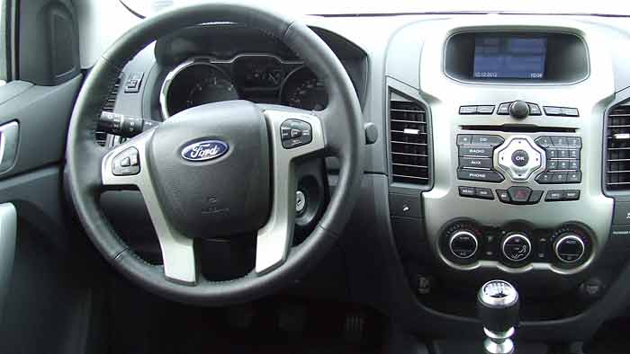Der Ford Ranger verfügt über einen bulligen Auftritt.