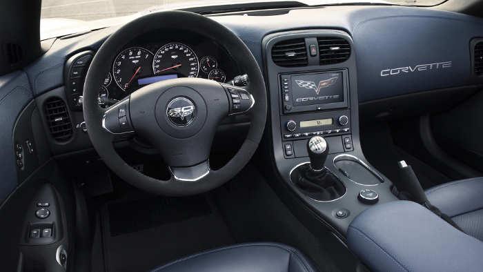 Das Cockpit der Chevrolet Corvette 427.