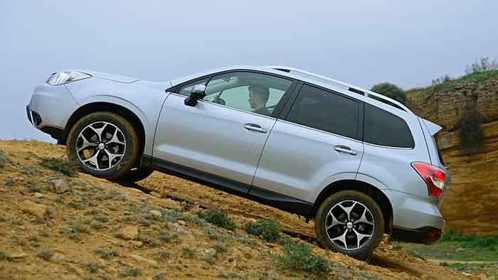 Der Subaru Forester fährt im neuen Gewand vor.