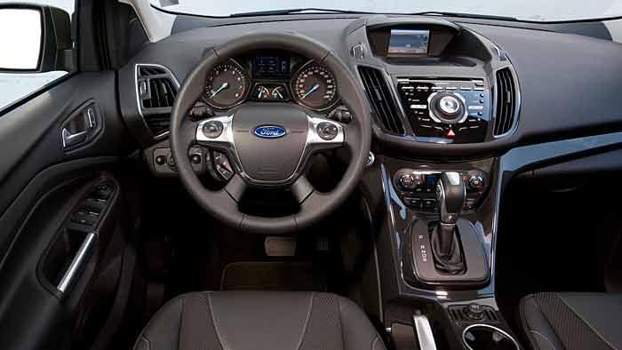 Der Ford Kuga fährt mit neuem Konzept vor.