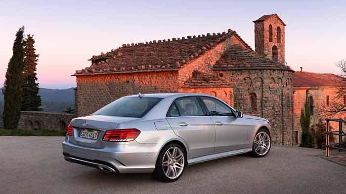 Die überarbeitete Mercedes E-Klasse kostet mindestens 40.000 Euro.