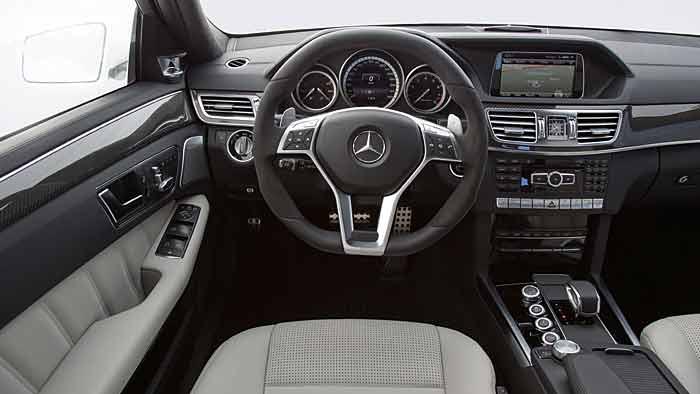 585 PS arbeiten unter der Haube des Mercedes E 63 AMG 4Mativ.