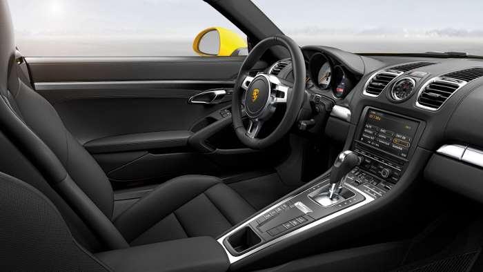 Das Cockpit der Porsche Cayman.