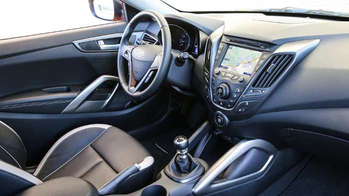 Das Cockpit des Hyundai Veloster Turbo.