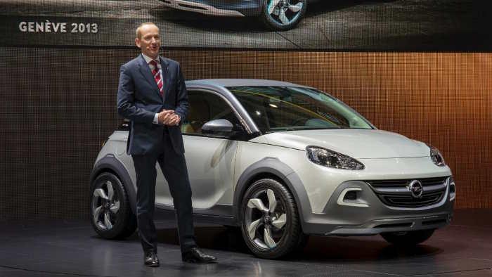 Opel-Chef Karl-Thomas Neumann an der Seite des Adam Rocks.
