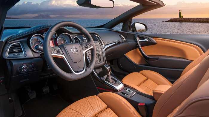 Ledersitze im Opel Cascada.
