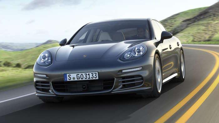 Ein Porschefahrer muss im Falle eines Unfalls nicht auf einen BMW umsteigen.