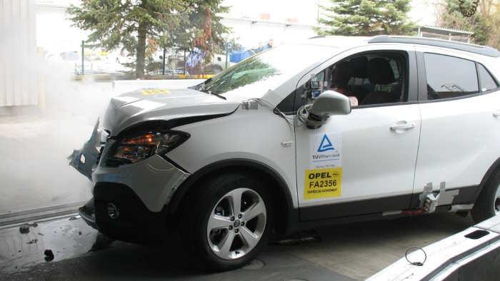 Der Opel Mokka beim Crashtest.