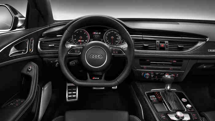 Das Cockpit im Audi RS6 Avant