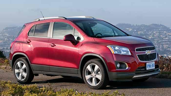Der Chevrolet Trax ist rund 2000 Euro günstiger als der Opel Mokka.