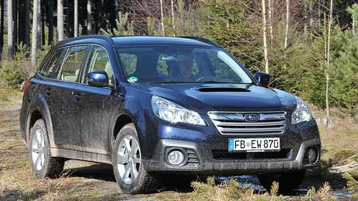 Der Subaru Outback scheut auch nach dem Facelift nicht die Fahrt ins Gelände.