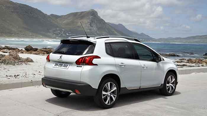 Der Peugeot 2008 zieht Asphalt dem Gelände vor.