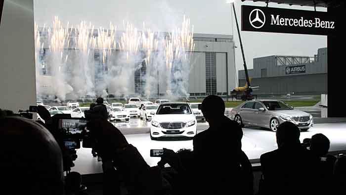 Die neue Mercedes S-Klasse bei der Premiere.
