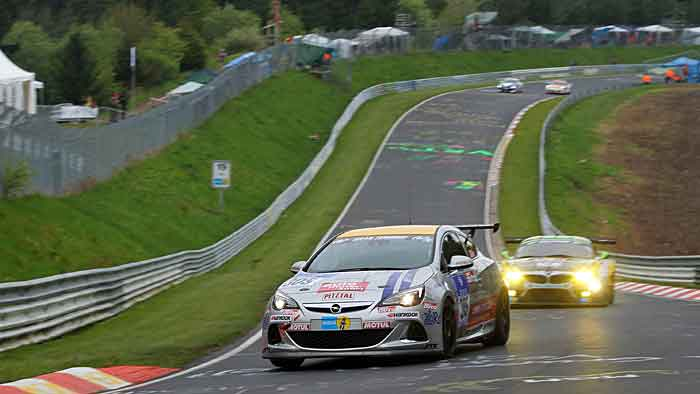 Widrige Bedingungen beim Qualifying der 24-Stunden am Nürburgring.