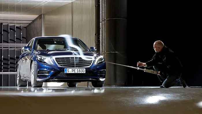 Die Mercedes S-Klasse kommt auf einen Cw-Wert von 0,24.