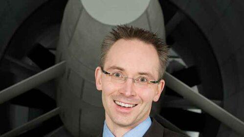 Holger Winkelmann vor dem BMW-Windkanal.