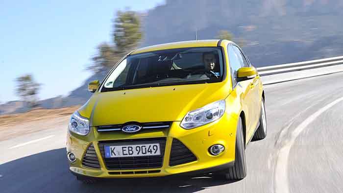 Der Ford Focus 1.0 Ecoboost begnügt sich mit 4,2 Litern Super.