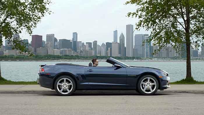 Chevrolet liefert die überarbeiteten Camaro ab Ende 2013 aus.