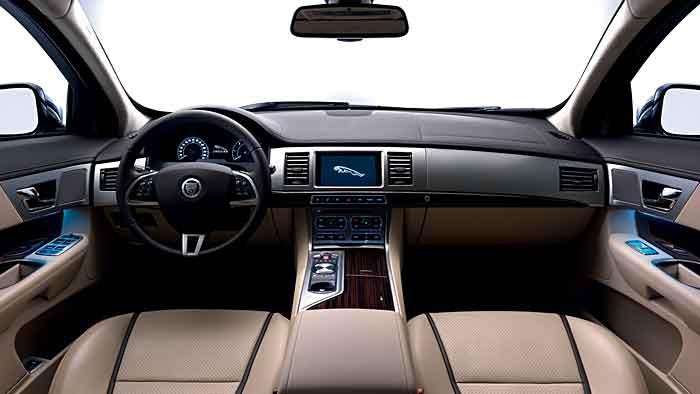 Im Jaguar XF Sportbrake fühlen sich die Insassen sehr wohl.