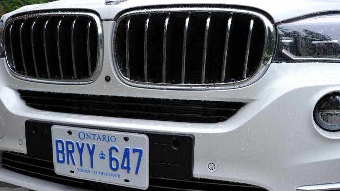 Der Kühlergrill am neuen BMW X5.