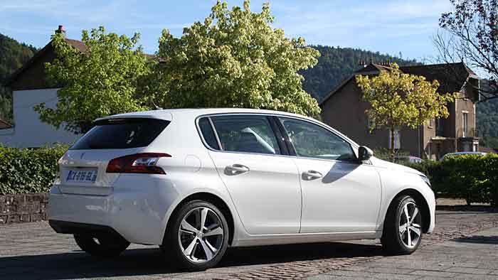 Die Preise für den Peugeot 308 beginnen bei 16.450 Euro.