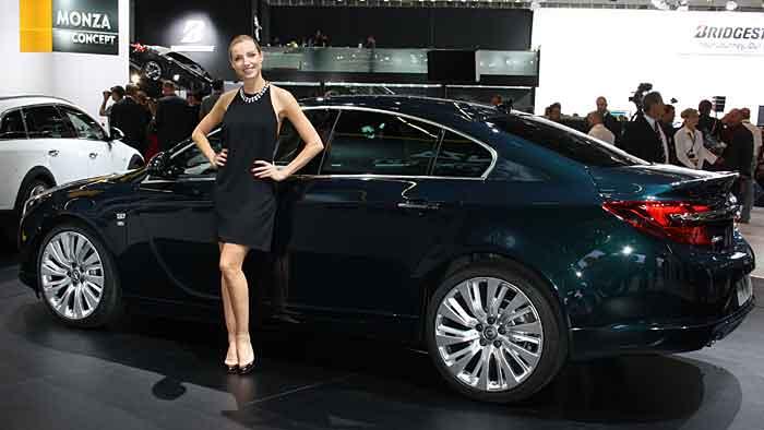 Im neuen Gewand wurde der Opel Insinia enthüllt.
