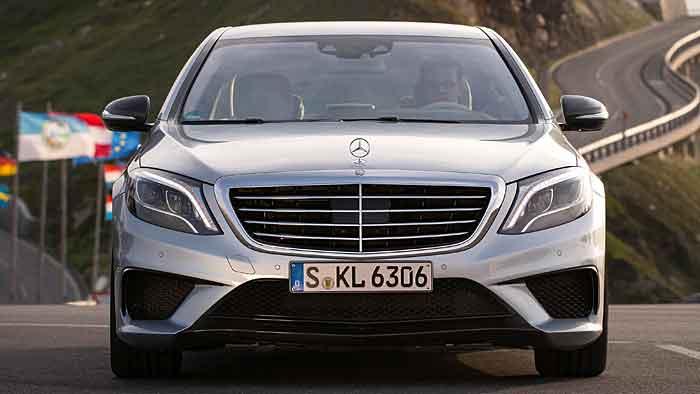 Beim Mercedes S 63 AMG arbeiten 900 Newtonmeter.