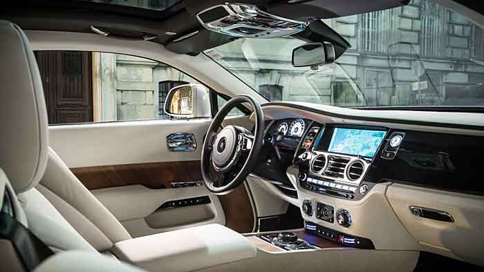 Die Preise für den Rolls-Royce Wraith beginnen bei 279.530 Euro.