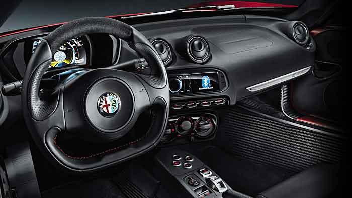 Die Preise für den Alfa Romeo beginnen bei 50.500 Euro.