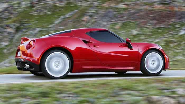Der Alfa Romeo hat nun Klimaanlage und Soundsystem serienmäßig.