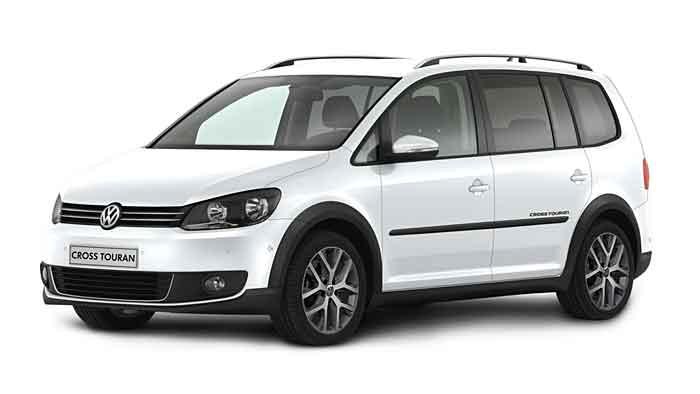 VW hat dem Cross Touran neue Fahrassistenzsysteme verliehen.