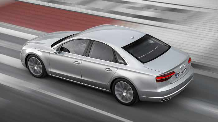 Der neue Audi A8 überzeugt mit effizienten Motoren.