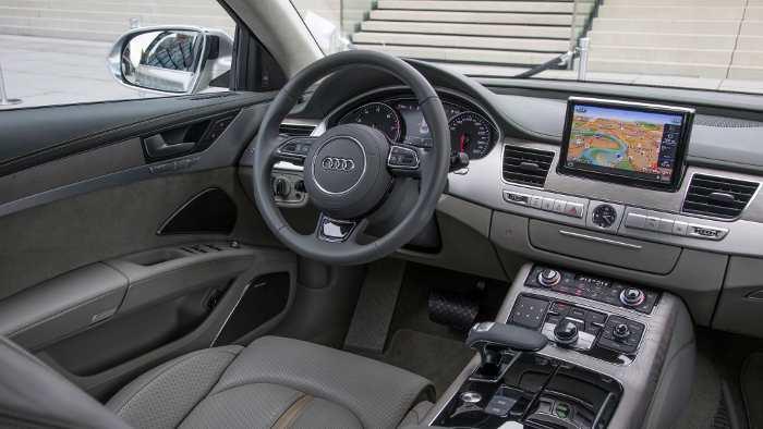 Das Cockpit des neuen Audi A8