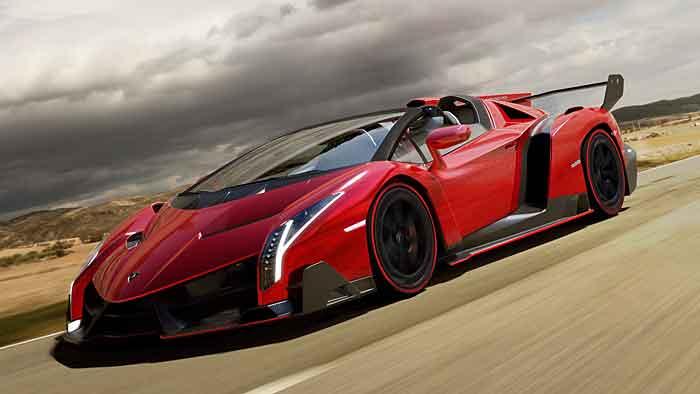 Auf ein Verdeck wird beim Lamborghini Veneno Roadster verzichtet.