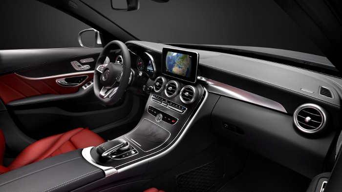 Das Cockpit der neuen Mercedes C-Klasse.