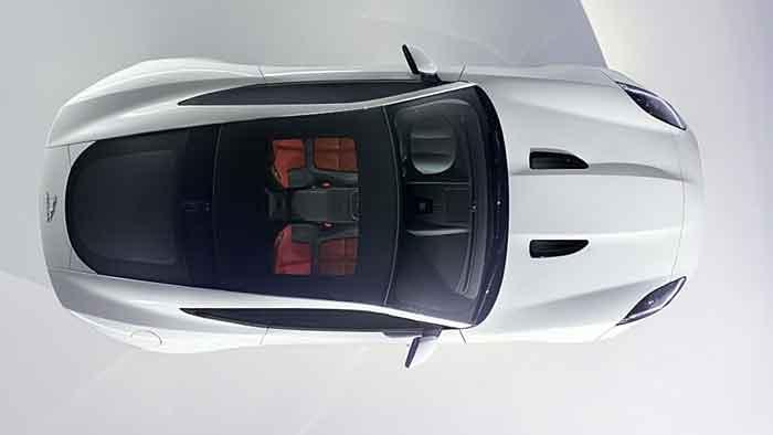 Jaguar F-Type Coupé feiert doppelte Premiere