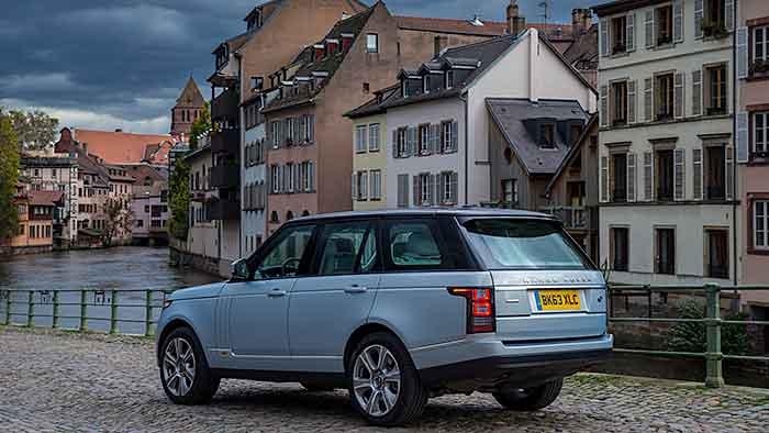 Range Rover Hybrid: Sparsam in die Wildnis