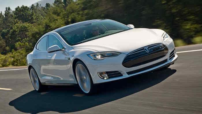 Nachfrage nach Elektroautos von Tesla boomt