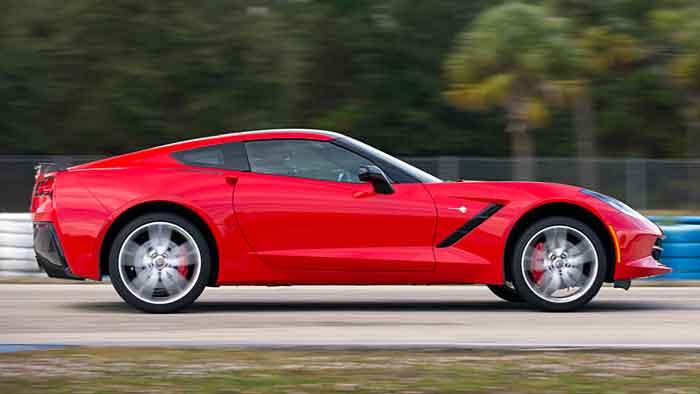 Autos wie die Corvette Stingray werden auch in Zukunft auf dem russischen Markt vertreten sein.