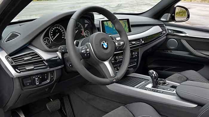 Der BMW X5 M50d verfügt über 381 PS.