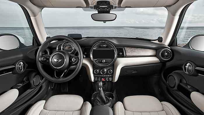 Der Mini bietet auch in neuer Generation viel Fahrspaß.