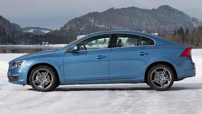 Der Volvo S60 ist auch mit nur vier Zylindern sehr spritzig.