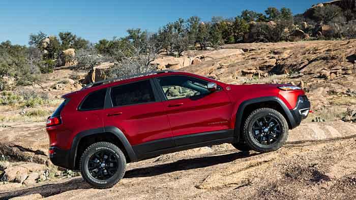 Der Jeep Cherokee hat seine Kanten verloren.