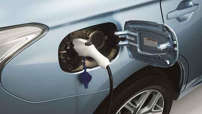 Der Mitsubishi Outlander PHEV wird von drei Motoren angetrieben.