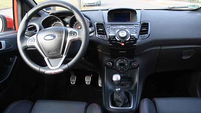 Mit dem Ford Fiesta ST geht es hart zur Sache.