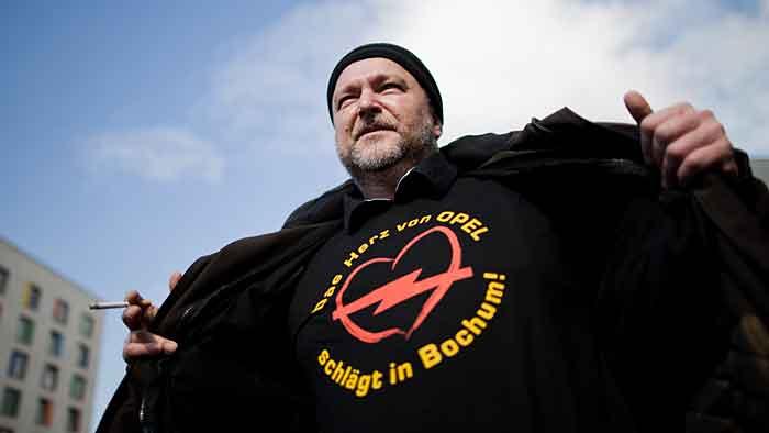 Bochumer Opelaner demonstrieren für Tarifvertrag