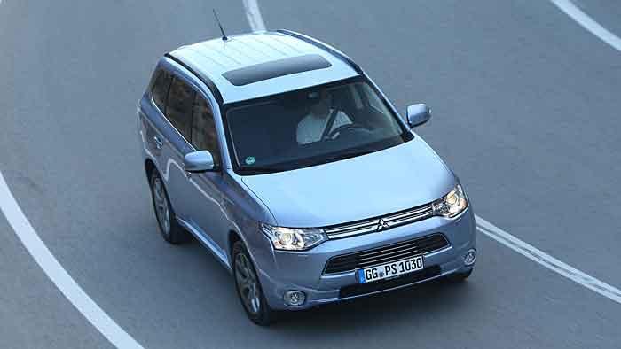 Mitsubishi führt mit dem Outlander PHEV zwei neue Ausstattungslinien ein.