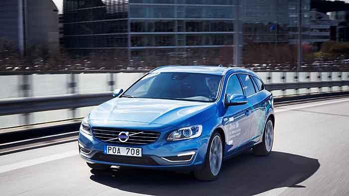 Auch der Volvo V60 ist autonom unterwegs.