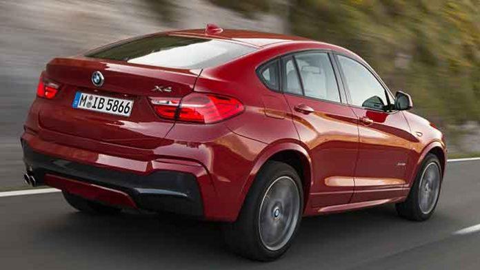 Der BMW X4 wird mit seinem wuchtigen Heck.